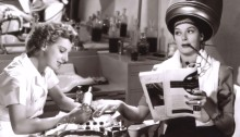 1Dennie-Moore-and-Rosalind-Russell-in-The-Women